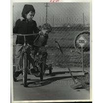 1970 Press Photo Children ride tricycles at Little People Day Care in Houston