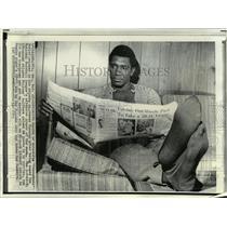 "1971 Press Photo Jim ""Cannonball"" Butler of Atlanta Falcons, rests in Atlanta"
