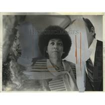 1976 Press Photo Freida High, curator for Midwestern Black Artists exhibition