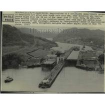 1977 Press Photo Freighters navigate the Pedro Miguel locks of the Panama Canal