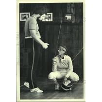 1979 Press Photo Tracy Yelton gets instruction from Ben Price at Fencing tourny