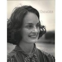 1982 Press Photo Politician wife Ann McMillan, headshot, exterior - abna38692