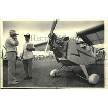 1983 Press Photo Fred Latulip and his scale model of a classic Piper J-3 cub
