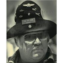 "1984 Press Photo Pilot Jim ""The Rag Man"" Snyder, Experimental Aviation show, WI"