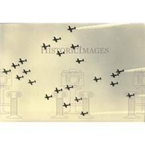 1986 Press Photo Planes flyover at Experimental Aircraft Association Convention