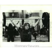 1990 Press Photo Ursala Garza lifts weight training for U.S. Olympic Festival.