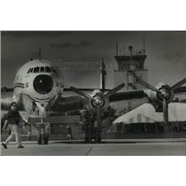 1993 Press Photo Daryl Lenz & Lockheed Constellation at Wittman Airport
