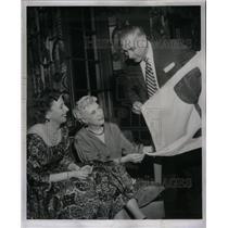1957 Press Photo Gacht Club Members Womens Charles - RRX38353