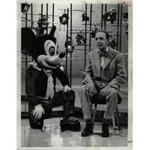 1970 Press Photo Mickey Mouse Don Knotts Viewer Show - RRW09521