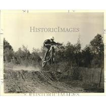 1972 Press Photo Johnny Kain takes a dirt jump in monthly moto-cross.