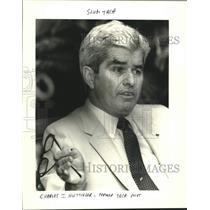 1985 Press Photo Charles J. Huttinger, former TACA pilot at press conference