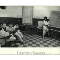 1971 Press Photo Dale Bodin during brown belt Judo lecture class - nob61617