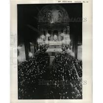1959 Press Photo Refugees/Communism/Paris Church - RRX71071