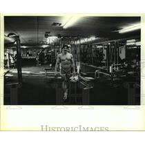 1982 Press Photo Bodybuilder Terry Scheibel at Olympic Fitness Center