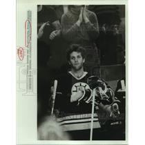 1984 Press Photo Boston Bruins hockey player Craig MacTavish - sas17719