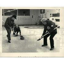 1984 Press Photo Canadian curling team during a match in Albany, New York