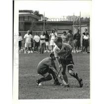 1991 Press Photo #4 Shelly Valovic goes around #4 Nicki Pellecchia in Lacrosse