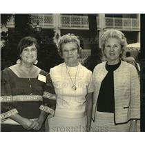 Press Photo Mrs. Jack Harmon, Mrs. Harold Urey & Mrs. Mary Dalehite, Patio Club