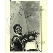 1981 Press Photo Rea May Mann at the wheel of Morgan 32 in Mandeville