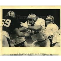 1992 Press Photo Jim Dombrowski and Bobby Hebert, New Orleans Saints football