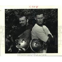 1990 Press Photo New Orleans Saints John Fourcades with Teammate - nos14295