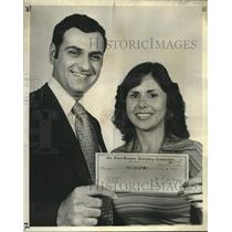1977 Press Photo Mr. & Mrs. Errol Massett- The States-Item Draw Poker contest