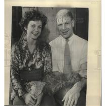 1935 Press Photo Bill and Eleanor Veeck sit together soon after marriage
