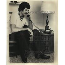 1975 Press Photo San Antonio Spurs Basketball Player Booby Warren at Home