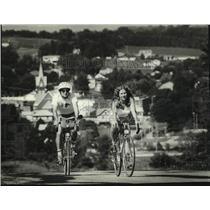 1982 Press Photo Cyclists Outside New Glarus, Wisconsin - mjc37361