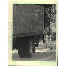 1984 Press Photo Cyclist on Waukesha County Highway ZZ, Wisconsin - mjc37731