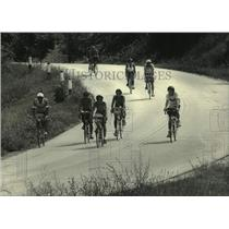 1987 Press Photo Riders on SAAGRBRAW north route biked through Kettle Moraine