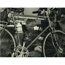 1988 Press Photo Marvin Harder, Milwaukee Sentinel Active Americans Bike Rides