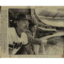 1974 Press Photo California Angels Baseball Managers Talk in Seats at Stadium