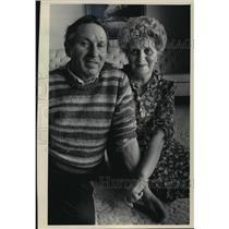 1986 Press Photo Pincus and Bluma Weinstock holocaust survivors in Milwaukee