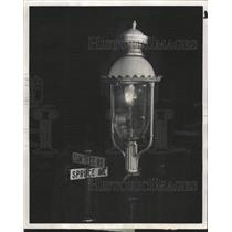 1958 Press Photo Lake Forest Light Illinois Gas - RRW50929