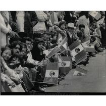 1975 Press Photo Mexican People Flags