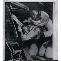 1962 Press Photo Astronaut Walter Schirra with new assi - RRX36697