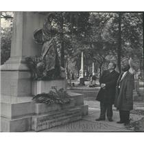 1964 Press Photo Gus Hall Communist Haymarket Bombing