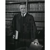1989 Press Photo Philadelphia Circuit Judge John A. Decker - mja95985