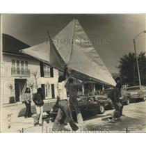 1975 Press Photo Winner at the third annual New Orleans Kite Flying Contest