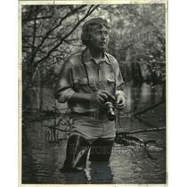 1976 Press Photo C.C. Lockwood, wildlife photographer, in Bayou Black, Louisiana