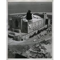 1956 Press Photo Alex Schack Walks on a High Wire,Calif - RRX73545
