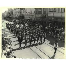 1983 Press Photo Bay View High School band in parade, Walt Disney World, Florida