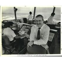 "1989 Press Photo R. W. ""Bob"" Myer, Jr. at International Airport Control Tower"