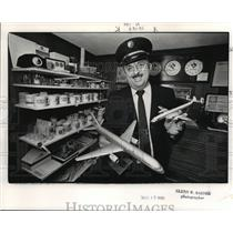 1989 Press Photo Johnny Johnston, Eastern Airlines - ahta01252