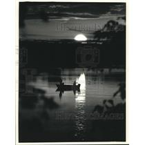 1991 Press Photo Fisherman on Lake Emily in Portage County during sunset