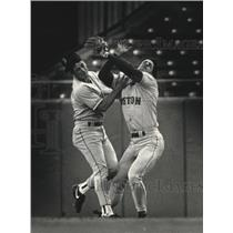 1991 Press Photo Boston baseball's Jody Reed, Phil Plantier, collide during game