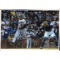 1993 Press Photo Orioles' Mike Devereaux & Brewers' Joe Kmak in baseball action