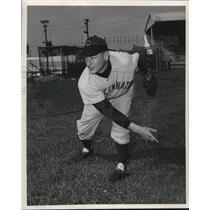 1952 Press Photo Frank Hiller of the Cincinnati Reds - lrs09394