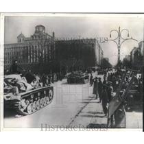 1941 Press Photo German tanks roll down street in Belgrade, Yugoslavia